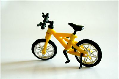 Picture Of Child Yellow Bicycle