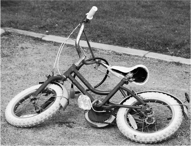 Picture Of Old Child Bike