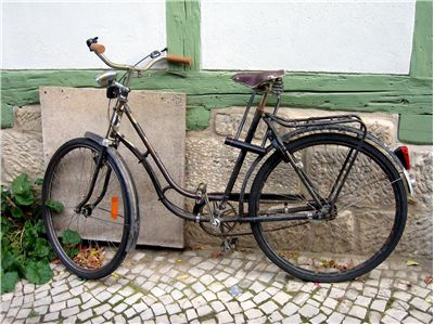 Picture Of Old Fashioned Bicycle