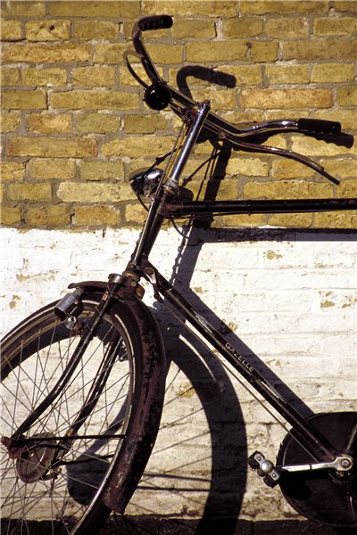 Picture Of Rusty Dutch Bicycle